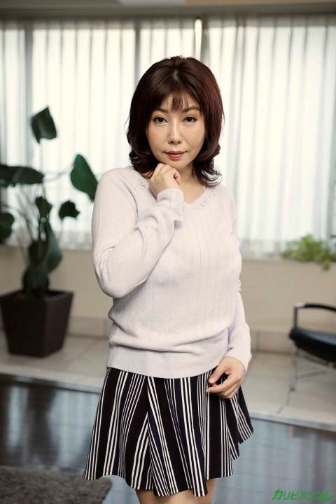 四十路熟女 美原咲子 巨乳人妻のイケナイ情事エロ画像43枚のb002枚目