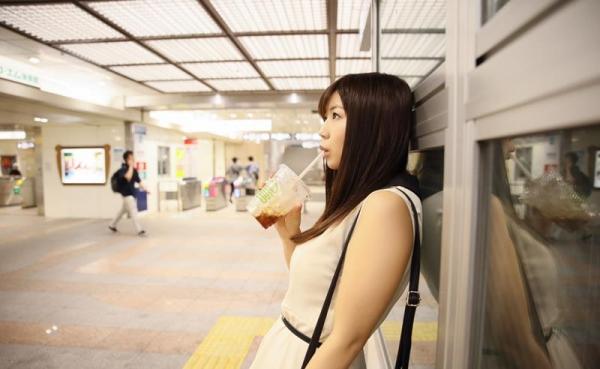 美保結衣 童顔でFカップ巨乳の人妻エロ画像40枚のb04枚目
