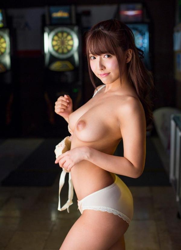 三上悠亜 全裸むっちむちフルヌード画像150枚の037枚目