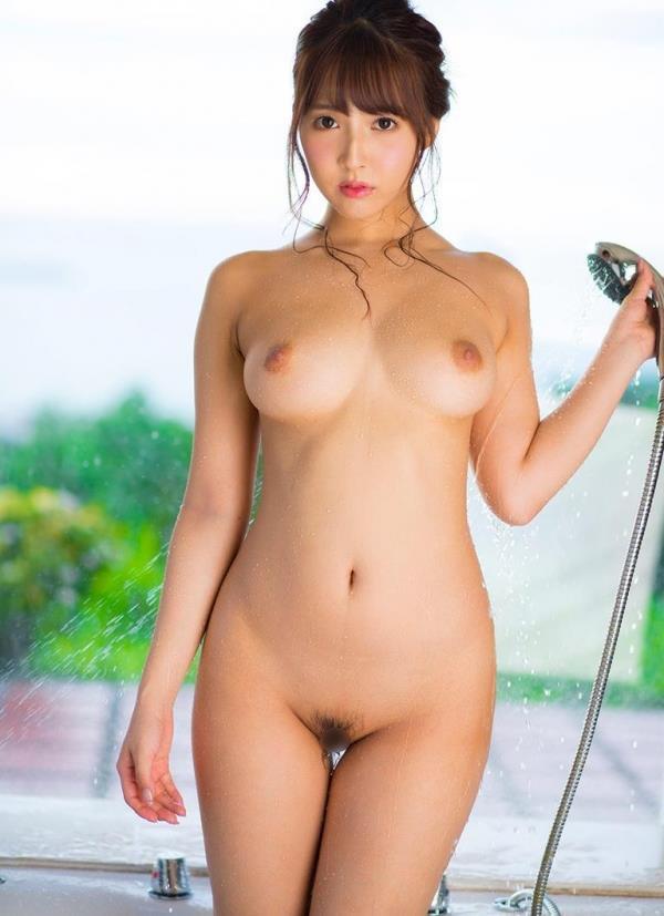 三上悠亜がエッチの前後に体を洗ってる入浴画像32枚の06枚目