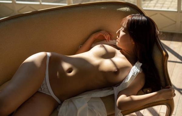 三上悠亜 清楚な淑女の雰囲気のヌード画像120枚の020枚目