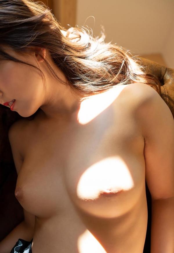 三上悠亜 清楚な淑女の雰囲気のヌード画像120枚の066枚目