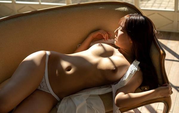 三上悠亜 むっちり美巨乳ボディヌード画像110枚の018枚目
