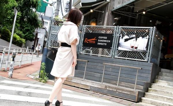 皆瀬杏樹 色白美肌の三十路巨乳妻エロ画像100枚の005.jpg