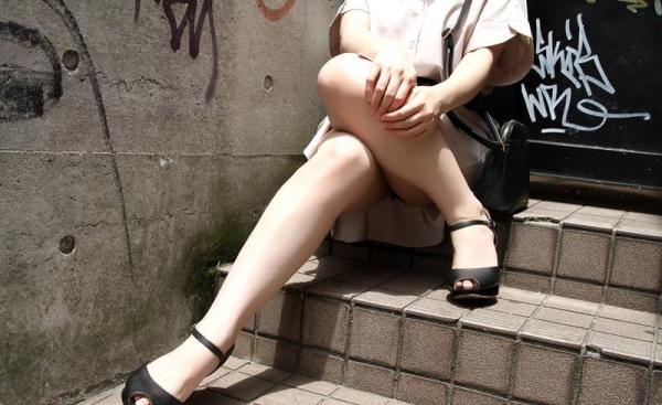 皆瀬杏樹 色白美肌の三十路巨乳妻エロ画像100枚の008.jpg