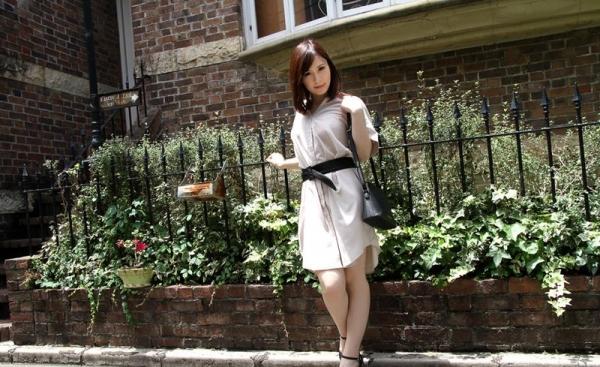 皆瀬杏樹 色白美肌の三十路巨乳妻エロ画像100枚の009.jpg