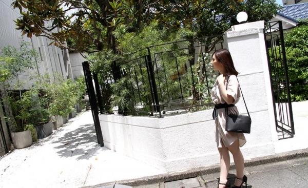 皆瀬杏樹 色白美肌の三十路巨乳妻エロ画像100枚の011.jpg