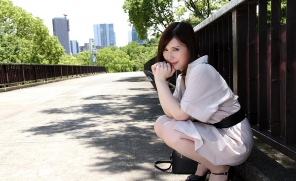 皆瀬杏樹 色白美肌の三十路巨乳妻エロ画像100枚の015.jpg