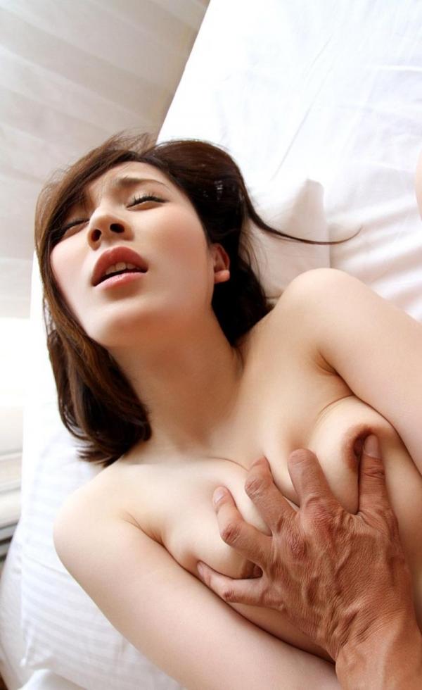 皆瀬杏樹 色白美肌の三十路巨乳妻エロ画像100枚の076.jpg