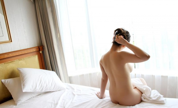 皆瀬杏樹 色白美肌の三十路巨乳妻エロ画像100枚の090.jpg