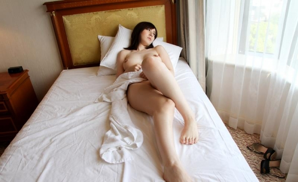 皆瀬杏樹 色白美肌の三十路巨乳妻エロ画像100枚の091.jpg