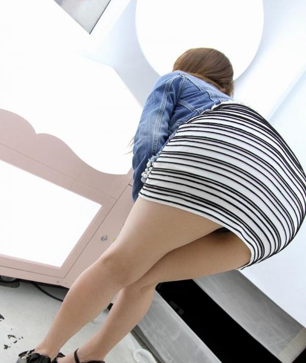 ミニスカートのエロ画像 脚もパンツも見せたがりな女90枚の034枚目