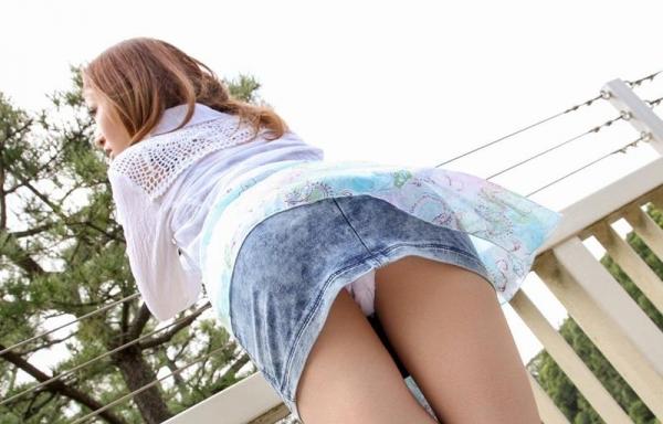 ミニスカートのエロ画像 脚もパンツも見せたがりな女90枚の057枚目