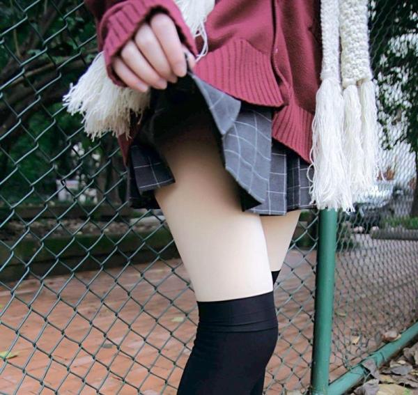 ミニスカートのエロ画像 脚もパンツも見せたがりな女90枚の064枚目