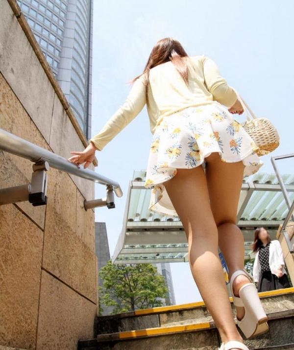 ミニスカートのエロ画像 脚もパンツも見せたがりな女90枚の070枚目
