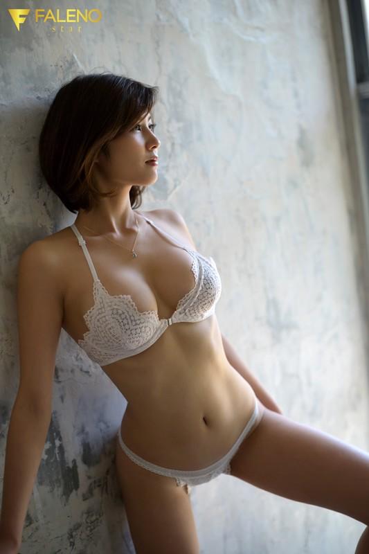 美乃すずめ AVデビュー セックスの女神現るエロ画像24枚のb03枚目