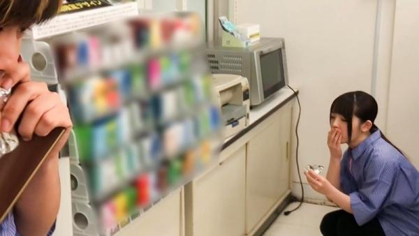 バカッター コンビニ店員のバイトテロ御坂りあエロ画像40枚のa004枚目