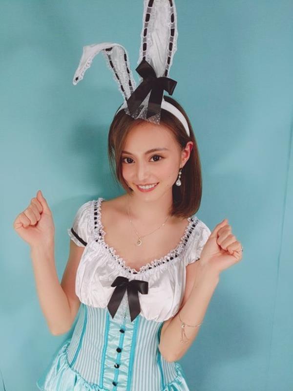 三咲美憂(みさきみゆう) クールな美貌の細身巨乳美女エロ画像39枚のa06.jpg