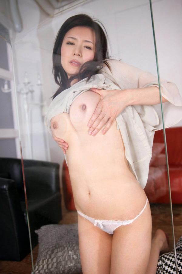 三浦恵理子(みうらえりこ)四十路の美熟女エロ画像60枚の21枚目