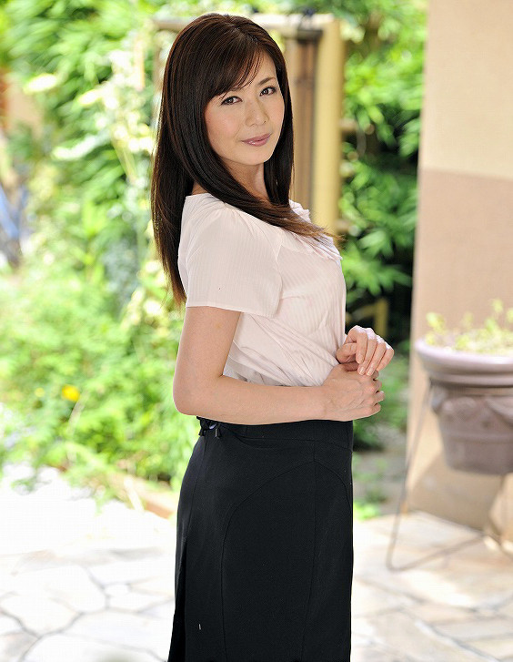 三浦恵理子(みうらえりこ)四十路の美熟女エロ画像60枚の56枚目