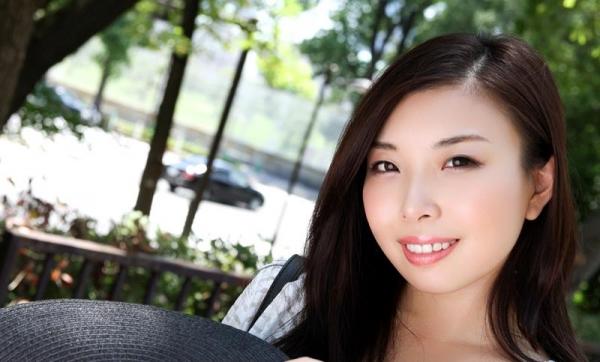 宮川ありさ(篠田れいこ)三十路の白乳美女エロ画像90枚の005枚目