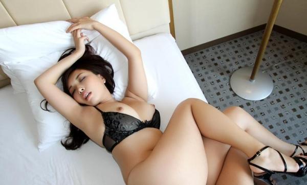 宮川ありさ(篠田れいこ)三十路の白乳美女エロ画像90枚の058枚目