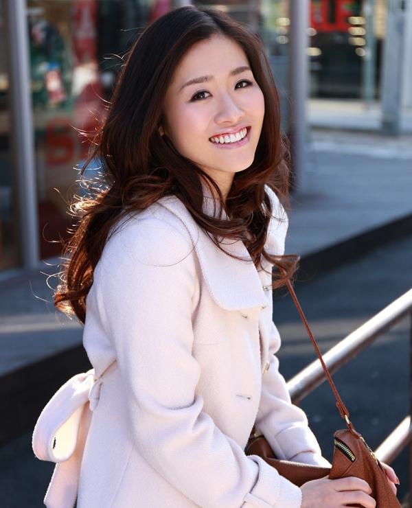 宮下華奈(北山沙羅 )華奢で美微乳の若妻エロ画像90枚の004枚目