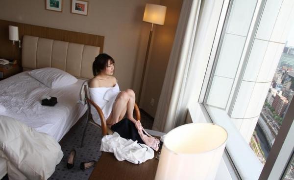 色白柔肌の美少女宮沢ちはるハメ撮り画像100枚の098枚目