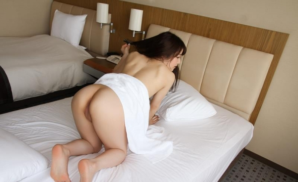 色白柔肌の美少女宮沢ちはるハメ撮り画像100枚の099枚目