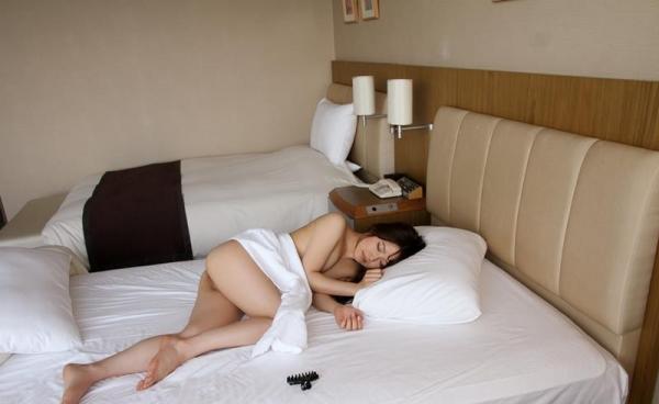 色白柔肌の美少女宮沢ちはるハメ撮り画像100枚の100枚目
