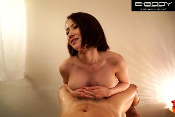 水川かえで(国生麻里)美巨乳な人妻のエロ画像55枚のc009枚目