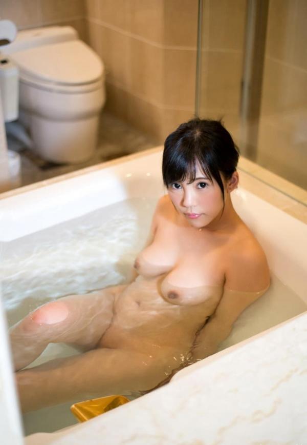 夫だけでは満足できない淫乱若妻 水川かずは エロ画像110枚の053枚目
