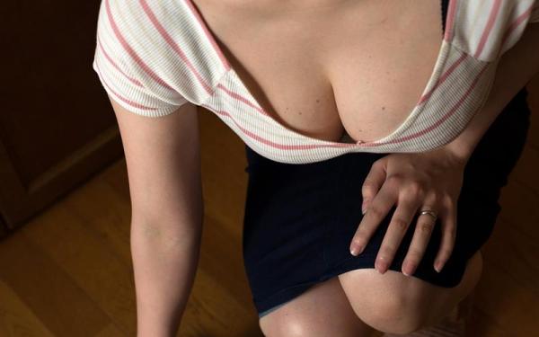 巨乳で淫乱な人妻 水城奈緒のハメ撮り画像62枚の002枚目