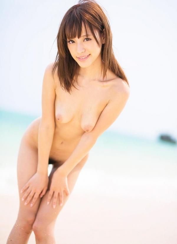 桃乃木かな ビーチで密毛露わヌード画像100枚の048番