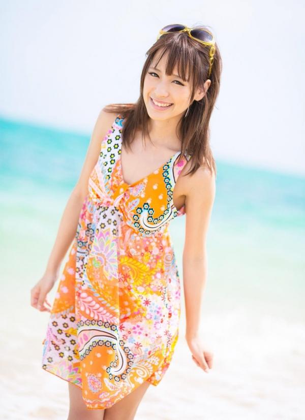 桃乃木かな ビーチで密毛露わヌード画像100枚の053番