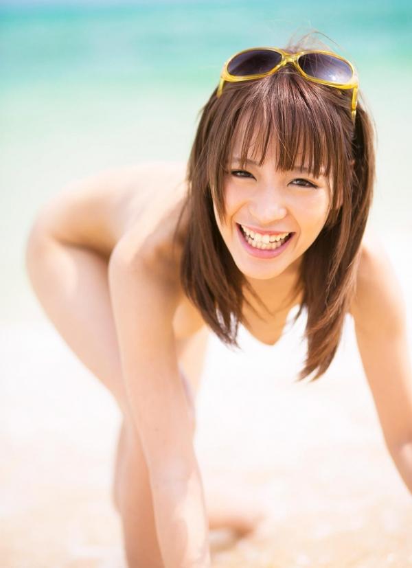 桃乃木かな ビーチで密毛露わヌード画像100枚の071番