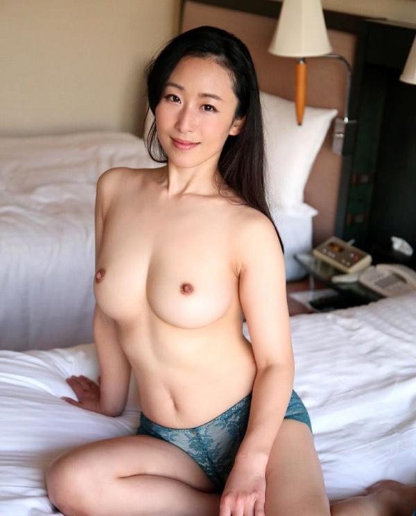 森ほたる(長瀬美姫)淫乱な女豹と化す巨乳妻エロ画像60枚のb011枚目