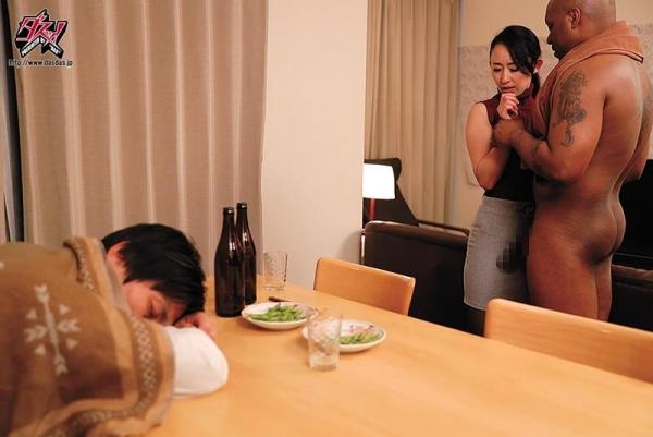 森ほたる(長瀬美姫)淫乱な女豹と化す巨乳妻エロ画像60枚のd004枚目