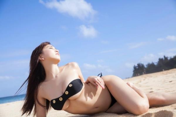 森咲智美(もりさきともみ)特盛Gカップ水着画像100枚!愛人にしたいグラドルNo.1の022枚目