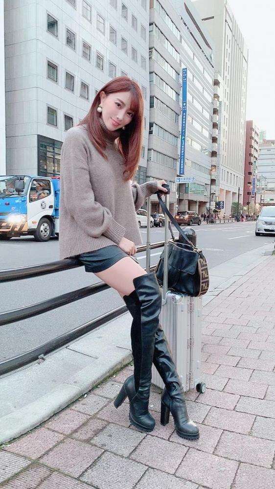 森咲智美 美巨乳クビレ美尻の不適切女子エロ画像78枚a19枚目