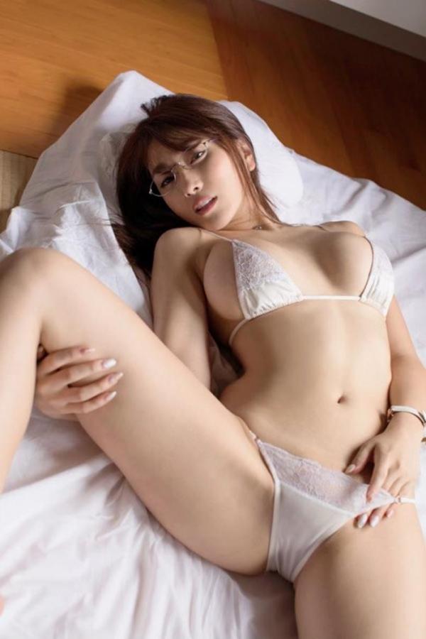 どエロいお姉さん、森咲智美が『グラビア・オブ・ザ・イヤー』2連覇a15枚目