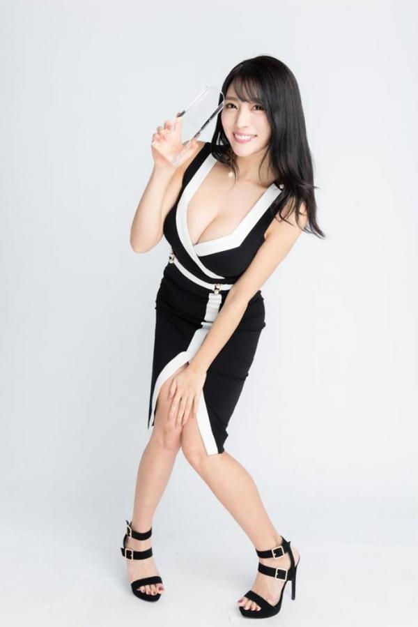 どエロいお姉さん、森咲智美が『グラビア・オブ・ザ・イヤー』2連覇a28枚目