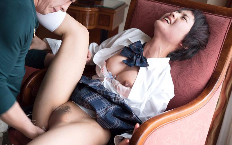向井藍 ベリーショートがまぶしいモデルSEX写真110枚