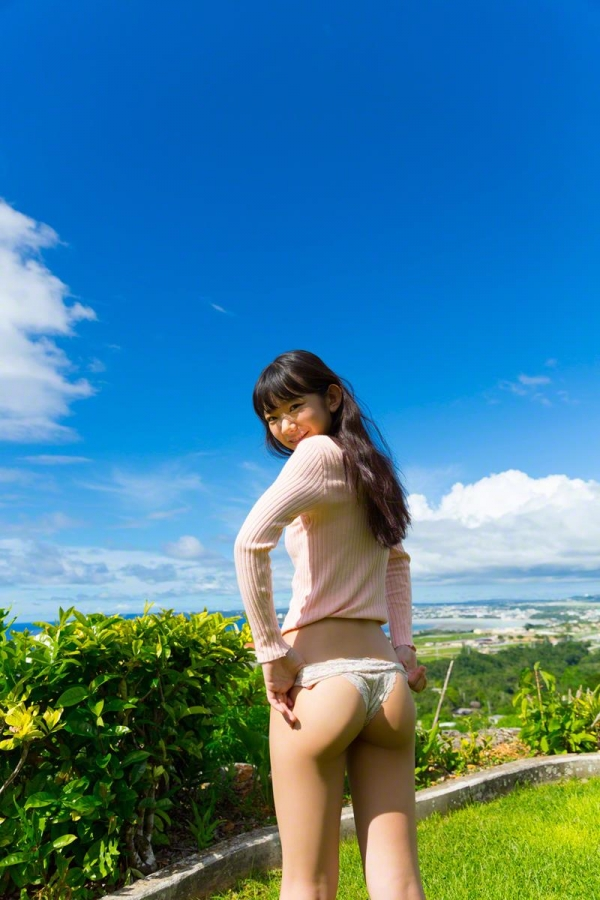 長澤茉里奈(ながさわまりな)合法ロリ美少女の危ない水着エロ画像100枚の020枚目