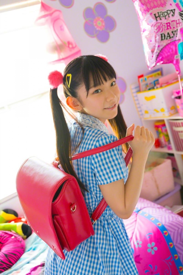 長澤茉里奈(ながさわまりな)合法ロリ美少女の危ない水着エロ画像100枚の036枚目