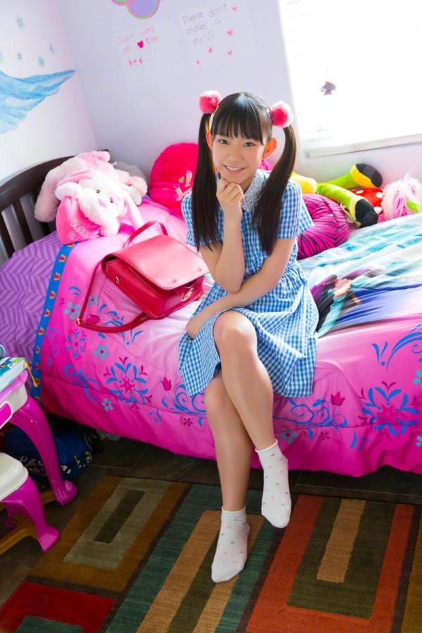長澤茉里奈(ながさわまりな)合法ロリ美少女の危ない水着エロ画像100枚の037枚目