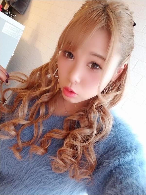 永瀬愛菜 Hカップ巨乳のギャル系美少女エロ画像50枚のa03枚目
