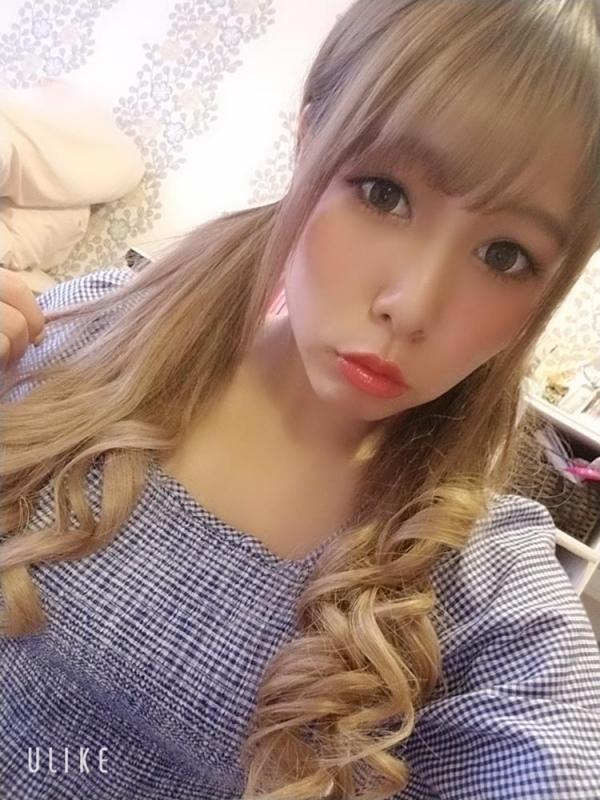 永瀬愛菜 Hカップ巨乳のギャル系美少女エロ画像50枚のa13枚目