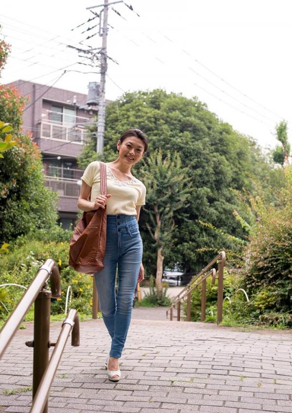 童貞食いの貧乳熟女筆おろし画像 中島京子110枚の001枚目