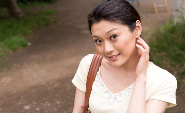童貞食いの貧乳熟女筆おろし画像 中島京子110枚の004枚目